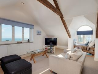 The Penthouse, Endsleigh Court located in Stoke Fleming, Devon, Dartmouth
