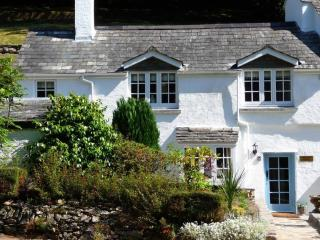 Inglenook Cottage located in Polperro, Cornwall