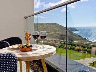 Apartment 1, Gara Rock located in East Portlemouth, Devon