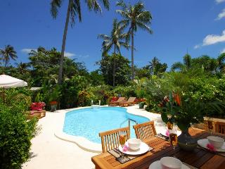 Charming  2 Bedrooms villa in Tropical Garden, Laem Set