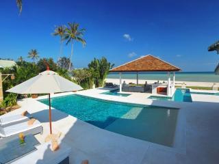 Contemporary Thai Style Beach Front Villa in Laem Set