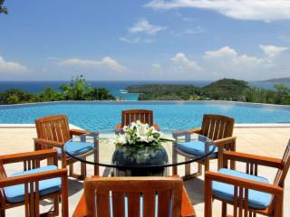 Elegance 6 Bedrooms Nestled on a Hilltop in Surin Beach