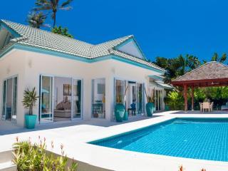 Luxury 3 Bedroom Villa Hidden in Tropical Gardens, Laem Set