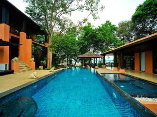 Residence Luxury 3 Bedroom Villa Ocean View in Phuket, Cape Panwa