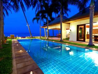 Unique Designed  5 Bedroom Beachfront Villa in Meanam, Mae Nam