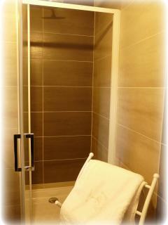 27.Salle de bain rdc