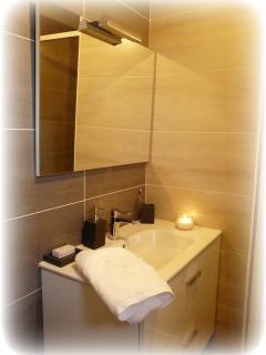 26.Salle de bain rdc