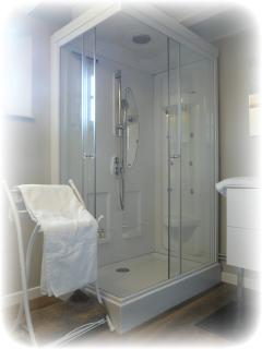 29.Salle de bain 1er étage