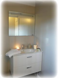 28.Salle de bain 1er étage