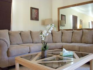 Laurel Lane Vacation Rental close to Powell Creek Preserve