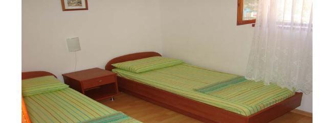 A1-Marin(4): bedroom