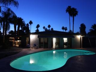 Brentwood Bungalow *NEW LISTING* Mid Century Re Do, Palm Springs