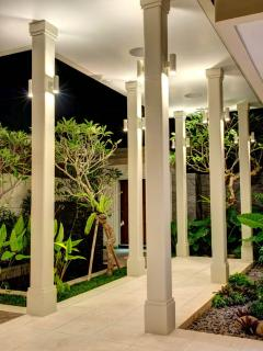 Villa Segara Gita, Beachfront 4 bedroom, Candidasa