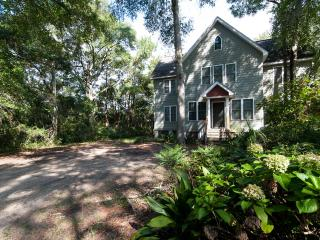 Cottage End, A Low-country Island House, Charleston