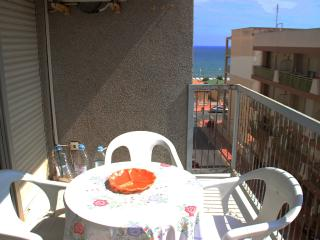 Apartment for 6 persons. Just 50m from the beach, Guardamar del Segura