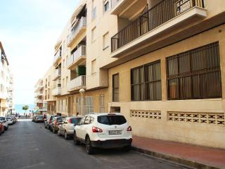 Apartment for 6 persons. Just 50m from the beach