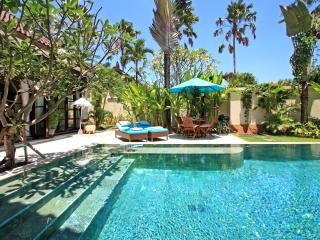 Cosmovilla, 4 bedrooms Seminyak, Bali