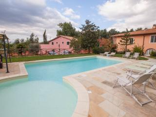 Fattoria I Ciliegi 1 bed Apartment (Pool & Tennis)