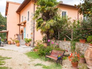 Fattoria I Ciliegi 2 Bedroom Apt (Pool & Tennis), Reggello
