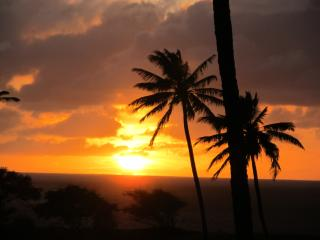 Romantic, Peaceful, Breezy Condo w/ Amazing views, Maunaloa