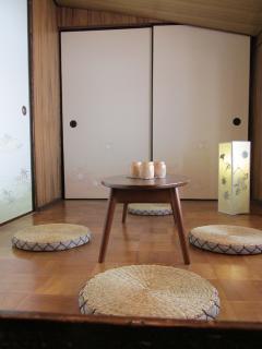 Traditional tea room on the 1st floor
