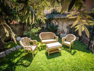 Taormina Superior apartment with garden
