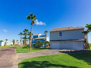 2BR Beach House for 7 in Lost Colony, Port Aransas