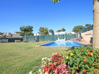 Una casa especial, decorada, con piscina y jardín, L'Escala