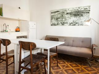 hayarden 14 - 2 bedroom with balcony, Tel Aviv