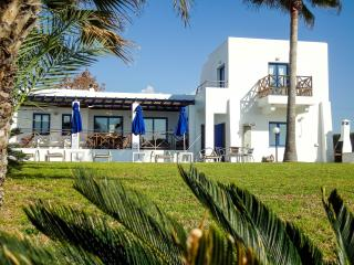 Impressive seafront villa with private heated pool, Kissonerga