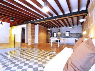 Temple apartment is in the heart of Palma., Palma de Majorque