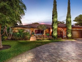 Naples - Palm River Estates / Lovely Pool Home, Napels