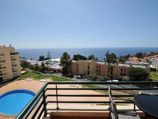 2 bedroom apartment + pool in Garajau near Funchal, Madeira