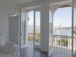 Venere Bianca Luxury Apartment with pool, Porto Venere