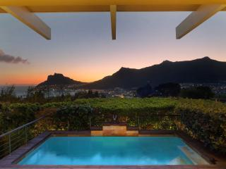 Private villa with stunning view, Hout Bay