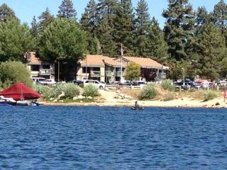 Boulder Bay Lakeside Suite, Big Bear Region