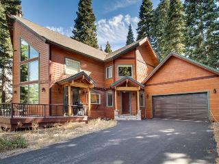 Cathedral ceilings, Tahoe Donner facility access, & more, Truckee