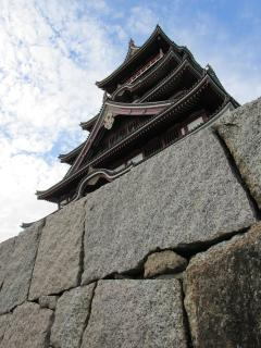 Fushimi castle/Momoyama castle, right next to emperor Kanmu's tomb, sakura or snow scene, you choose