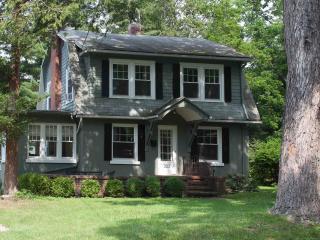 Enchanted Cottage on Glen, Elmira