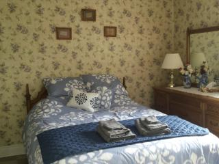 Saugeenview Family Getaway B&B: Pineview Room, Chesley