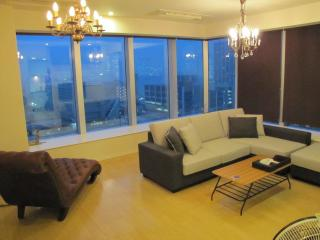 Luxurious family stay at 3 bedroom ap, Chūō