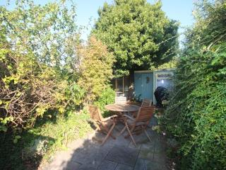 A beautiful cottage with a lovely sunny garden
