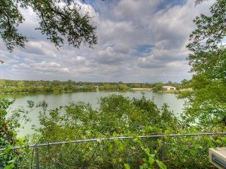 4 Bedroom Lakeview -  With Hot Tub, Austin