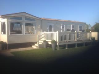 Static 8 berth Caravan at Tatteshall, Lincolnshire