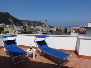 Casa di Aria apartment with view and pool, Sorrento