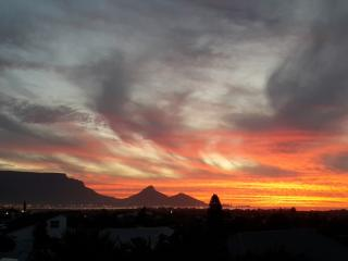 Sunset Views, Milnerton