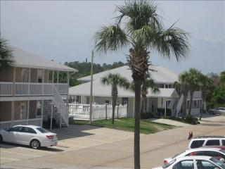 Totally Remodeled Condo in Quiet Complex, Panama City Beach