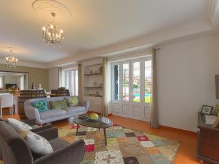 The living room // A sala de estar