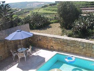 MARGIA holiday house with swimming pool. FREE WIFI