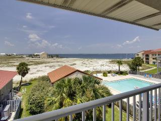 Watch incredible sunsets from this lovely condo. Shared pool access!